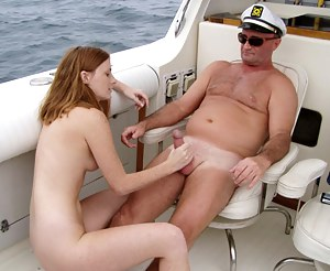 Girls Boat Porn Pictures
